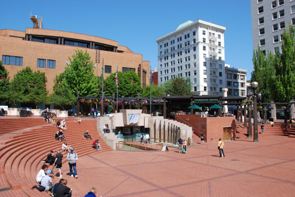 Pioneer Courthouse Sq (Portland)